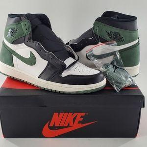 Nike Air Jordan 1 Retro High OG 555088 135 Size 9